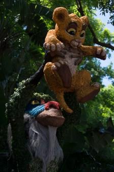 Rafiki and Simba topiary