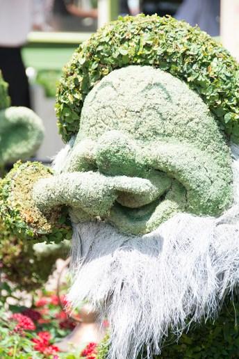 Sneezy topiary