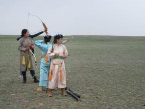 Burası Orta Asya. Uçanı da kaçanı da : ) Nadam Festivali
