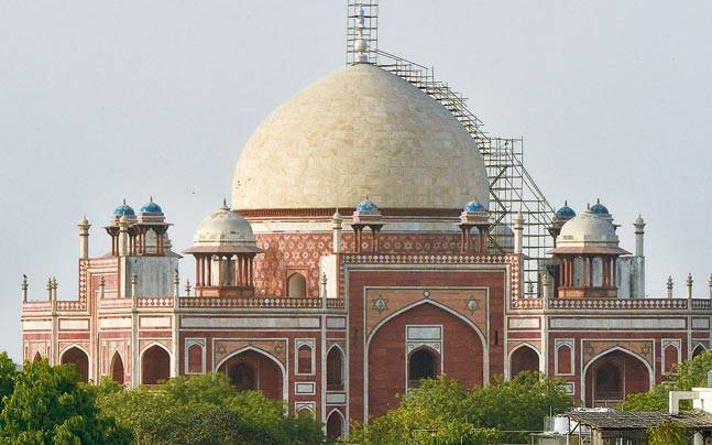 Humayun's Tomb Gets Crowned In 24 Carat Gold Travel News