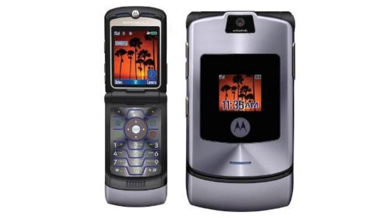 Moto Razr is coming back with a real foldable screen and