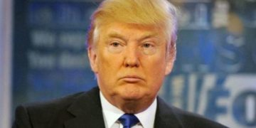 Trump impeachment: Senators struggle to stay awake, focused