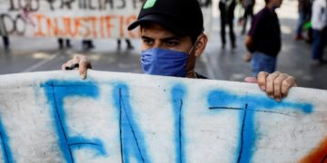Too little too late? Experts decry Mexico coronavirus policy delay