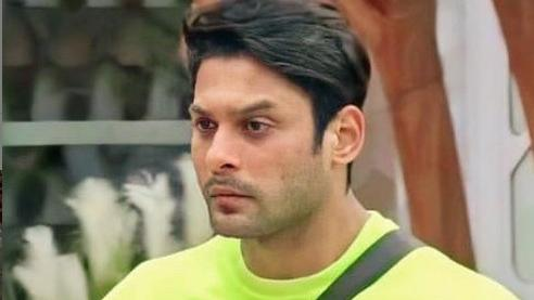 Sidharth Shukla steps out of Bigg Boss 14 house. Picture goes viral -  Television News