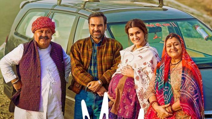 Mimi trailer out. Pregnant Kriti Sanon is set to take you on an emotional  ride - Movies News
