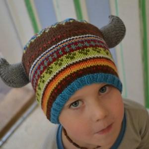 Knit Viking Horns pattern. aknitica.com #knitting #horns #vikings #monsters