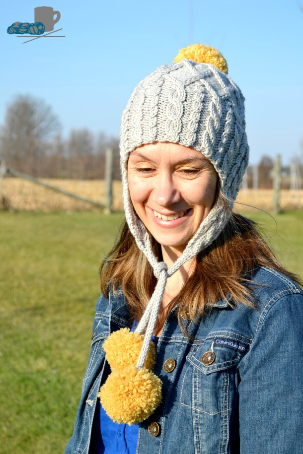 Merry hat pattern. www.aknitica.com #knitting #cables