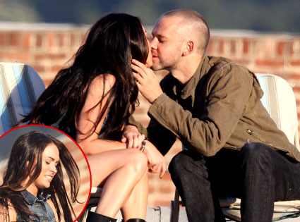 Megan Fox Locks Lips With Lost39s Dominic Monaghan E