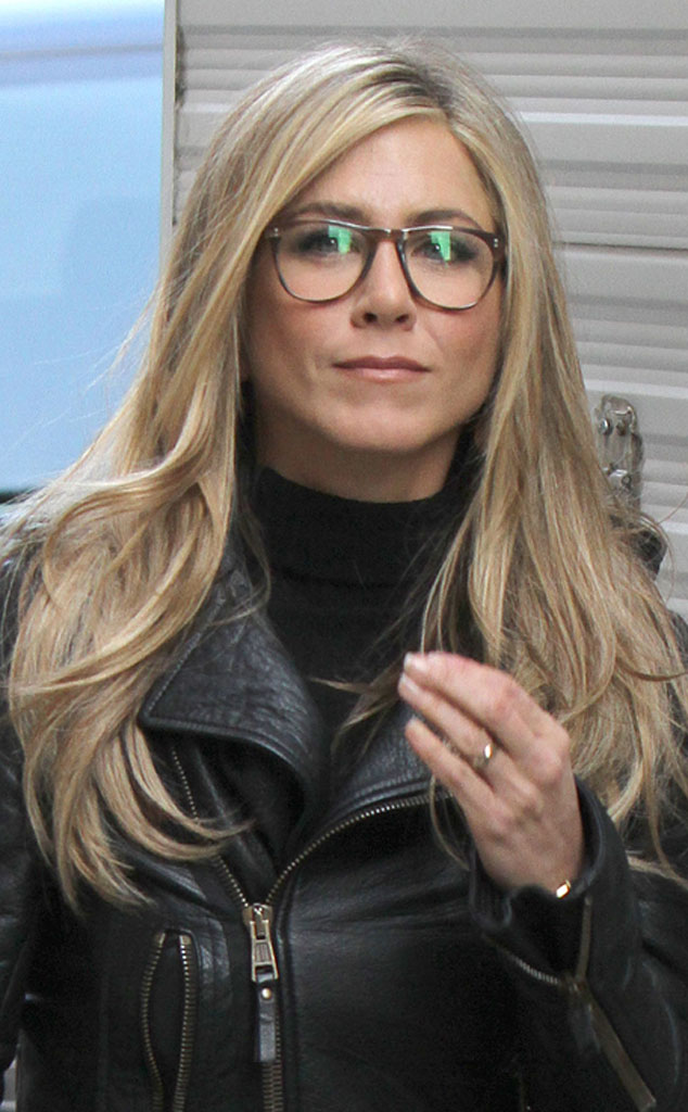 Jennifer Aniston From Celebs Are Gorgeous In Glasses E News