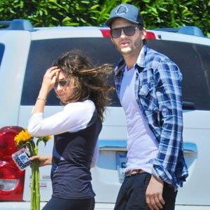 Mila Kunis Shoots Down Ashton Kutcher Dating Rumors It S