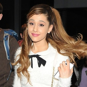 ariana grande defends hair