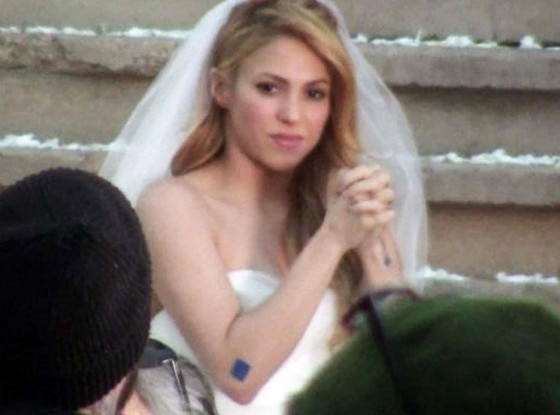 Shakira Spotted Wearing A Wedding Dress But It's Not What
