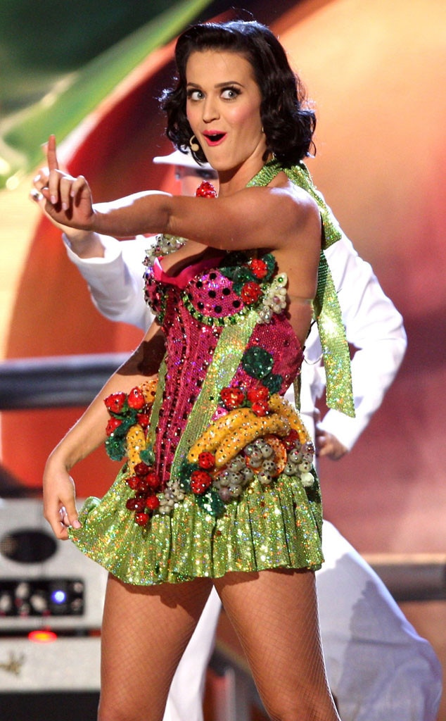 Inedible Arrangement from Katy Perry Loves FoodThemed Outfits