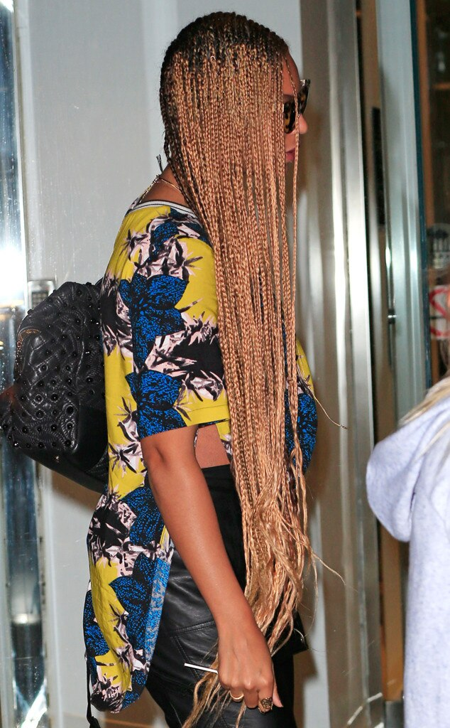 Beyonc Goes Back To Extra Long BraidsSee Her New