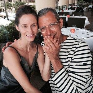 Jeff Goldblum, 61, Engaged To 31-Year-Old Girlfriend