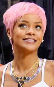 rihanna stars with pink hair