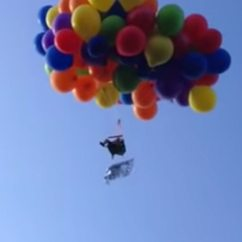 Chair With Balloons Office Yakima Wa This Man Flew Over Canada On A Lawn Tied To And Now Balloon