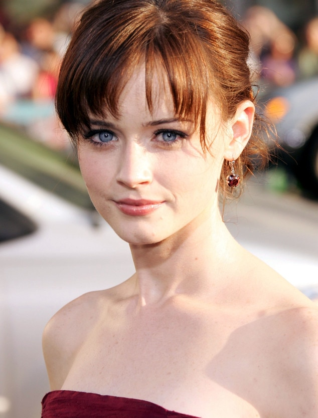 Gilmore Girls A Year In The Life Wallpaper Alexis Bledel S Secret To Ageless Skin Everything You