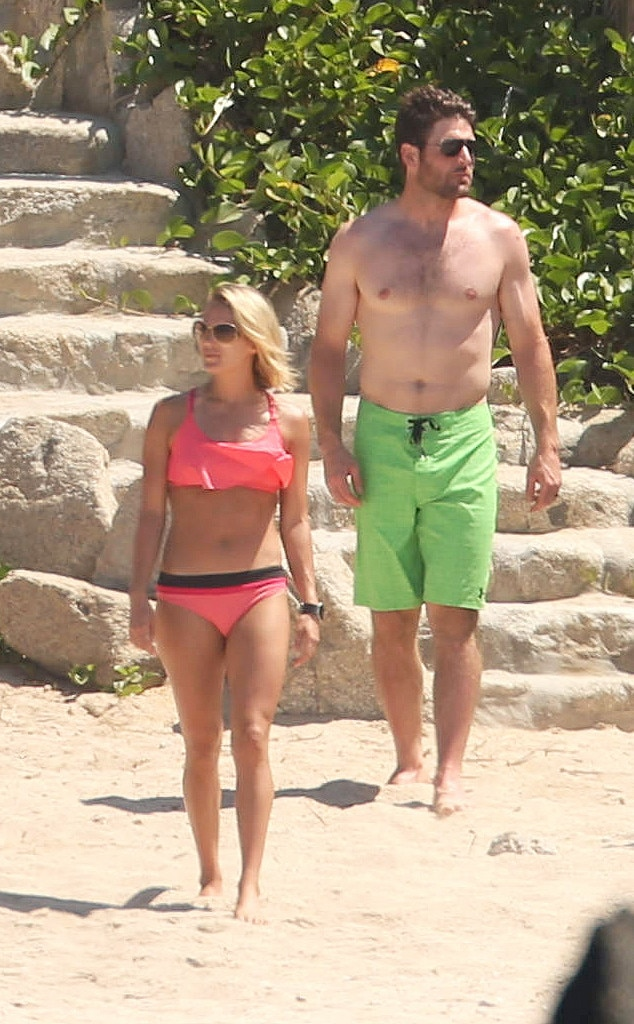 Carrie Underwood and Mike Fisher Hit the Beach in Mexico