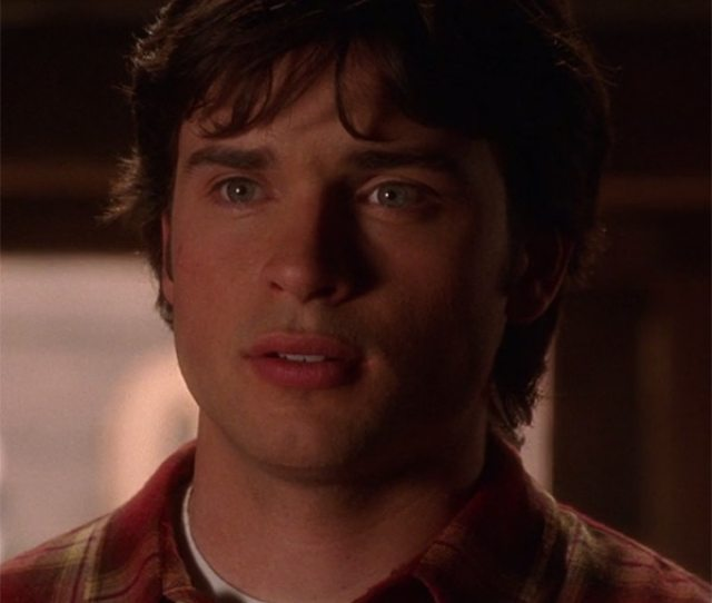 Watching Smallville For The First Time On Its 15th Anniversary How Does The Cws Original Superhero Show Hold Up E News