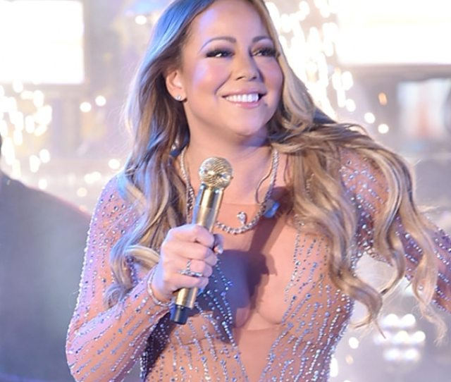 Mariah Careys Manager Sounds Off On New Years Eve Performance The Country Deserved Better Than That E News