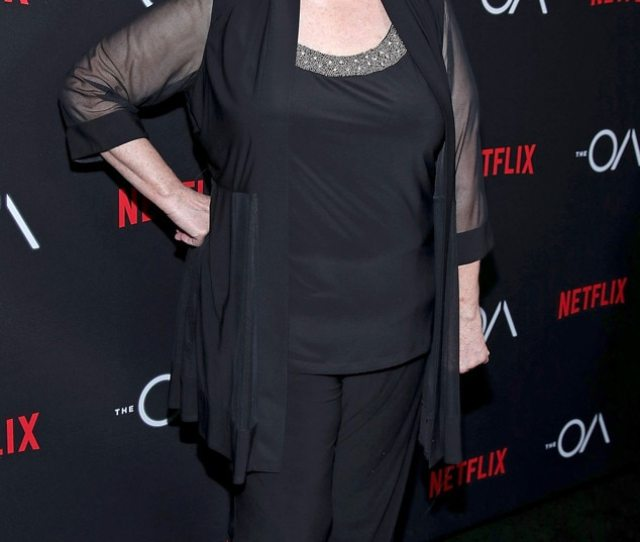 The Offices Phyllis Smith And Leslie David Baker Reunite See What The Cast Has Been Up To E News