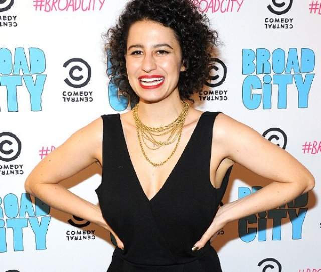 Broad Citys Ilana Glazer Secretly Married Her Longtime Love E News