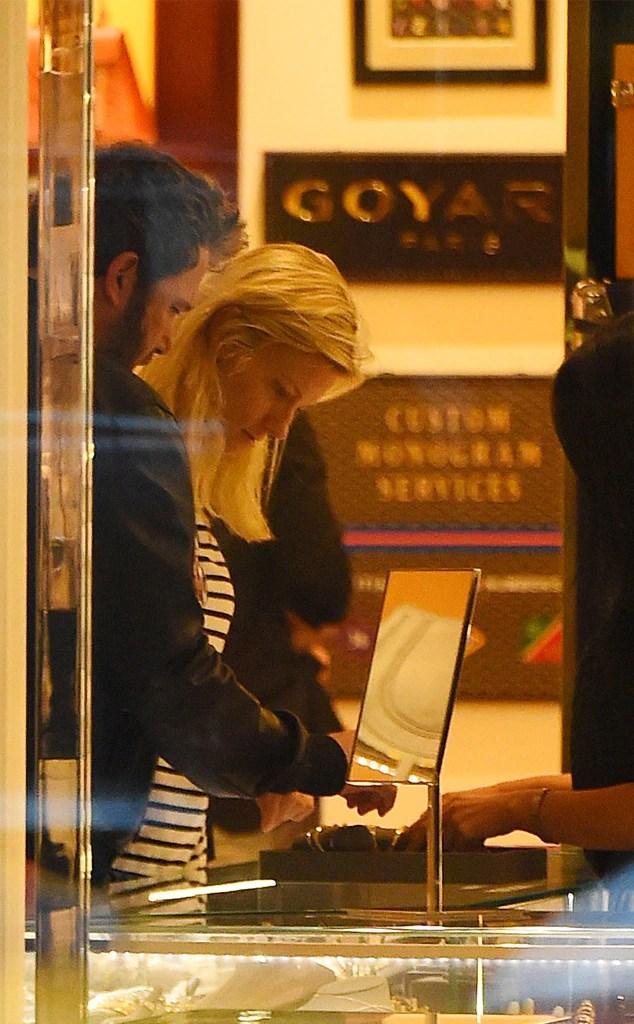 Inside Ben Affleck And Lindsay Shookus Big Date In The