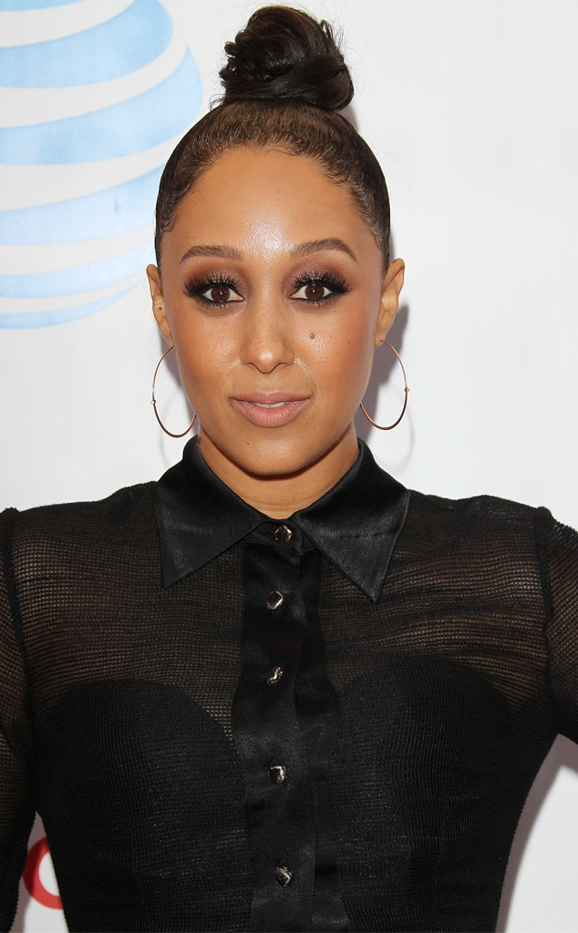 The Actual Hosts Tearfully Recall The Evening Tamera Mowry
