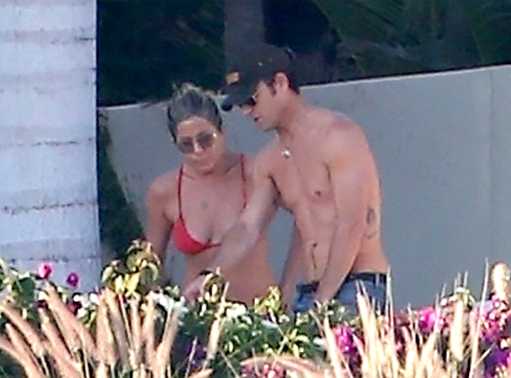 One Last Hurrah These Celebrity Couples Took A Breakup Vacation E Online Ca