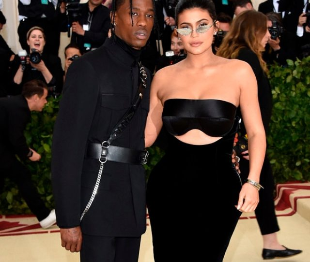 Kylie Jenner Supports Hubby Travis Scott At His Biggest Concert