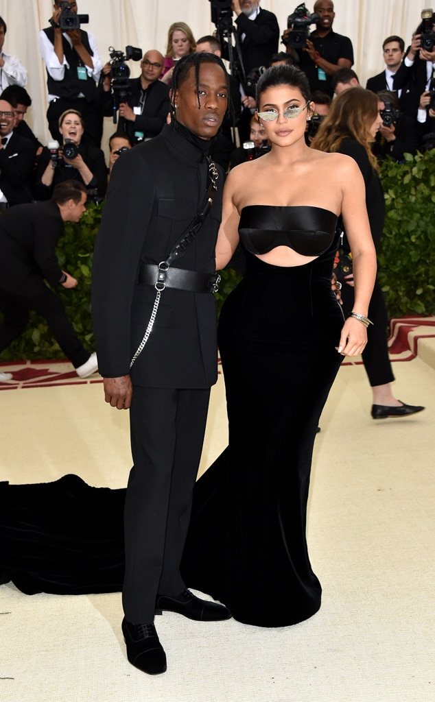 KYLIE JENNER & TRAVIS SCOTT- Couples at the 2018 met gala awards