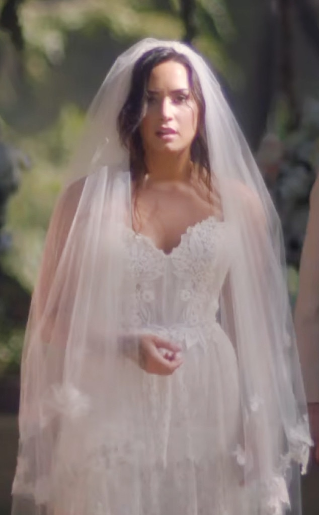 Demi Lovato Eyes Closed