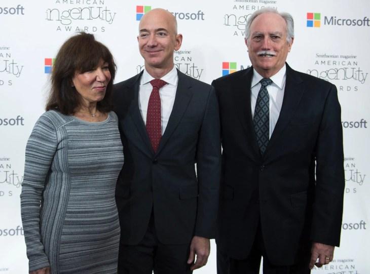Jeff Bezos, Mike Bezos, Jackie Bezos