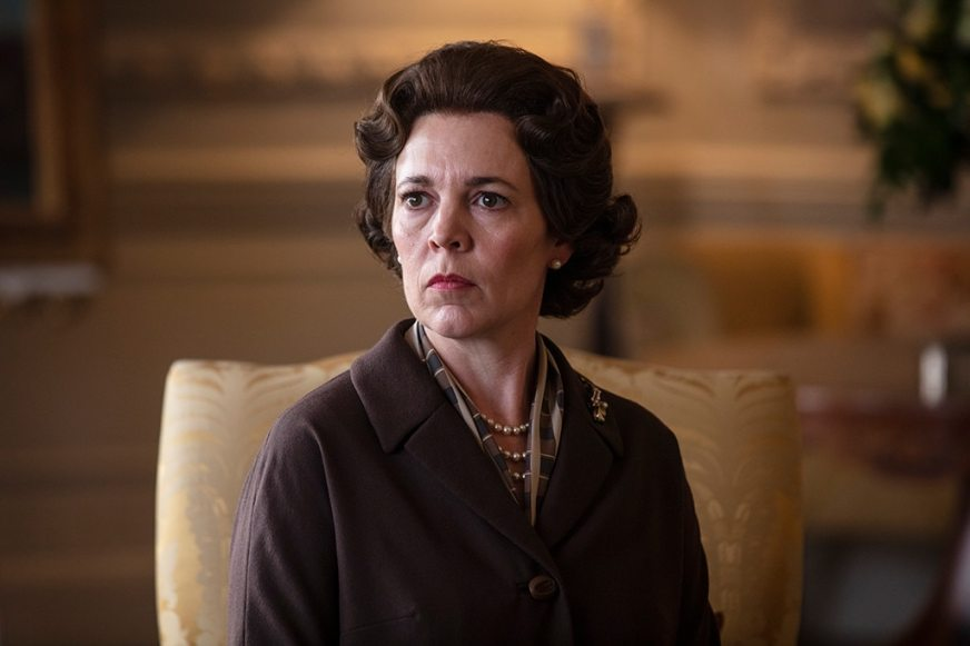 See Olivia Colman's The Crown Transformation | E! News