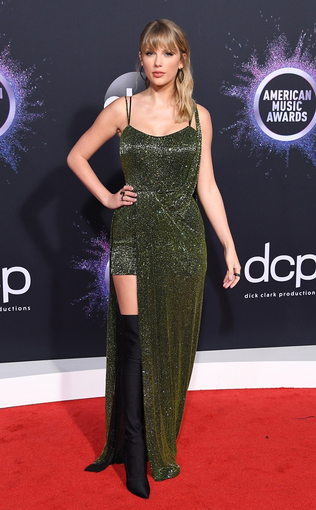 Taylor Swift, 2019 American Music Awards, Red Carpet Fashion