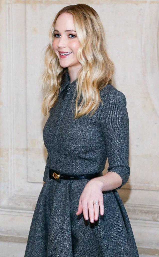 Jennifer Lawrence, Ring, Dior Arrivals, Dior, Paris Fashion Week 2019