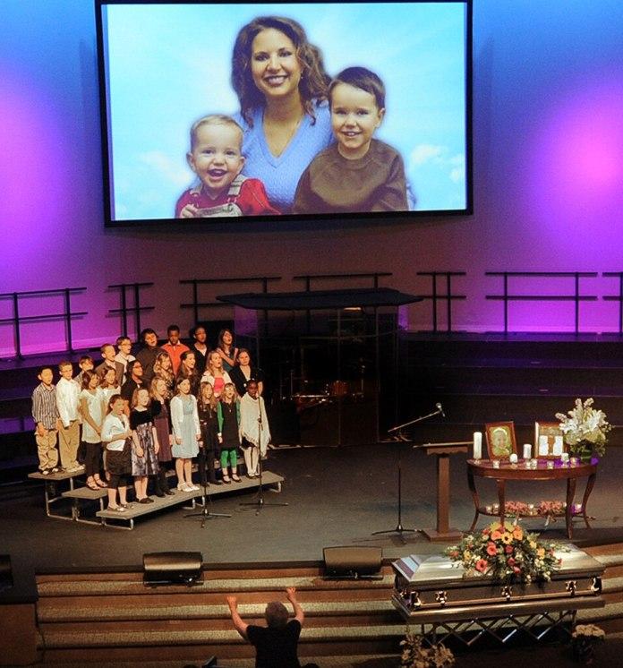 Susan Cox Powell, Charlie, Braden, Servicio funerario para hijos