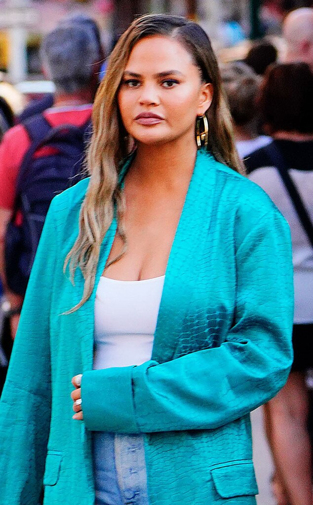 Chrissy Teigen Is Done With The Internet S Comments About