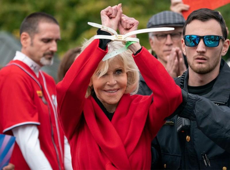 Jane Fonda, Arrestato