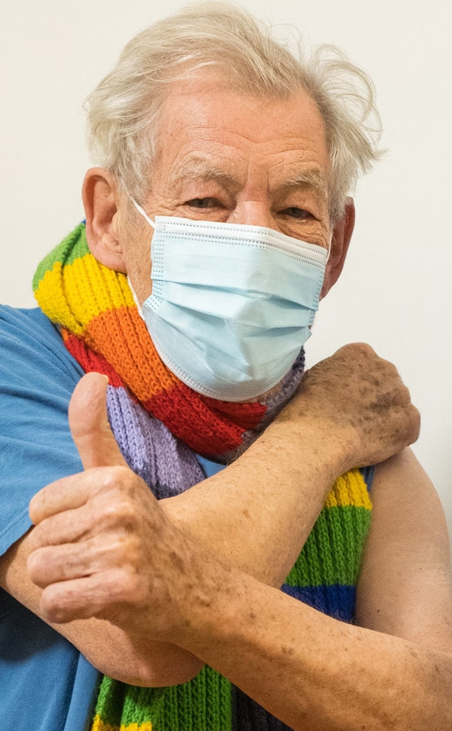 Ian McKellen, Covid-19 vaccination