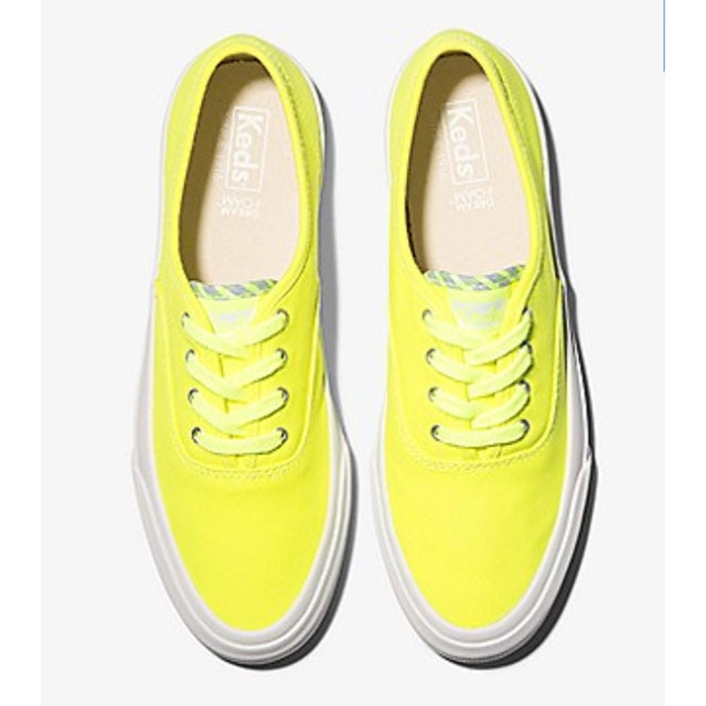 How to Embrace Spring's Neon Trend