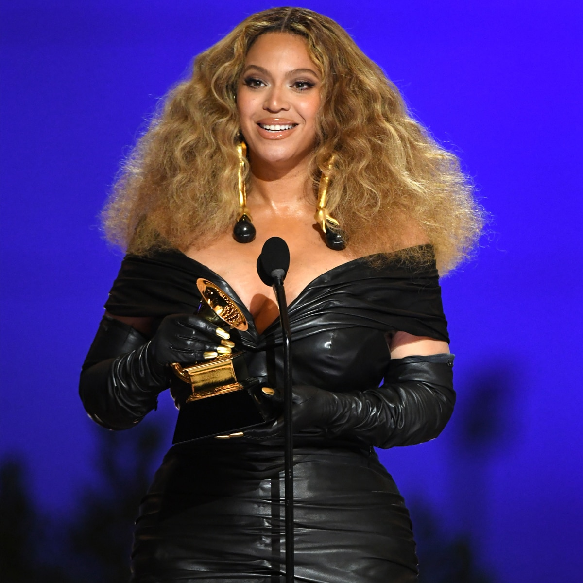 https www eonline com news 1248394 beyonce and jay z have finally arrived to the 2021 grammys