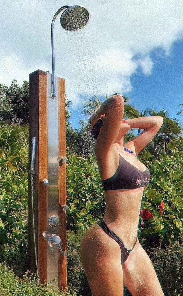 Khloe Kardashian, Bikini Pics, KUWTK, Keeping Up With the Kardashians