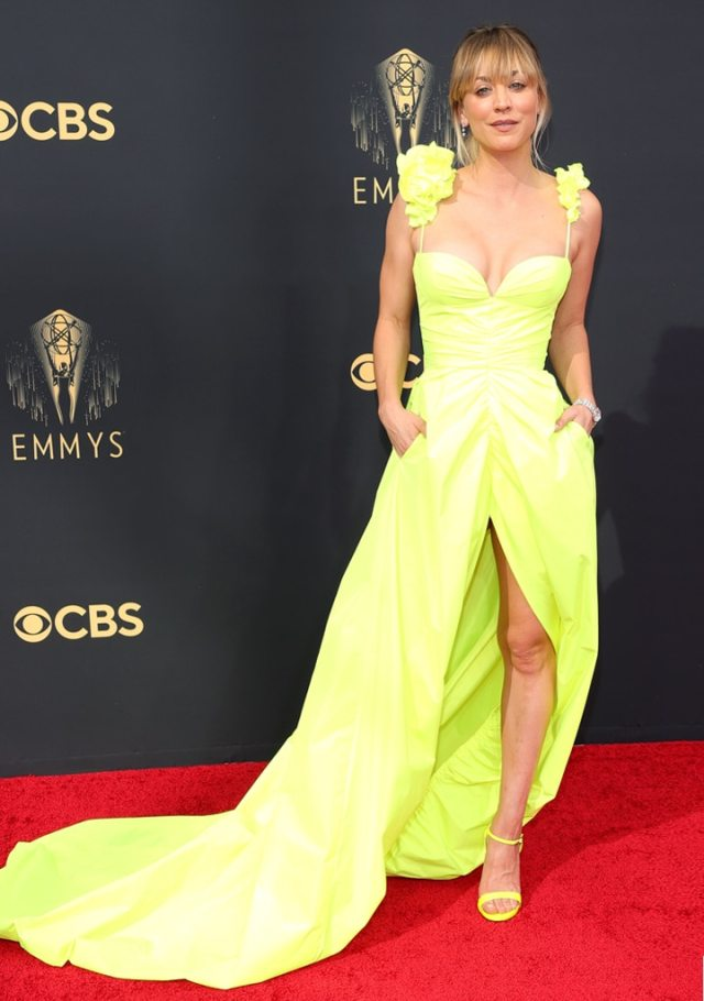 Kaley Cuoco, 2021 Emmys, Emmy Awards, Red Carpet Fashions, Arrivals