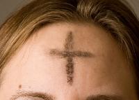 額に記された灰の十字