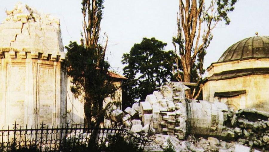 Podsjecanje Na 614 Porusenih Dzamija 7 Maj 1993 Dan Kad Je Srusena Ferhadija Akos