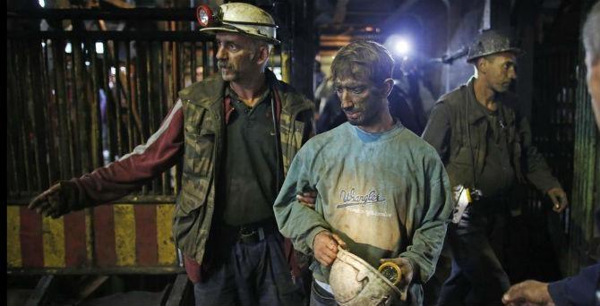 """Jedini ispravan odgovor na pitanje koliko košta sigurnost rudara je kontrapitanje: """"Koliko košta nesigurnost?"""" [Reuters]"""