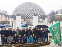 U povodu Dana brigade: Borci i komandanti Sedme muslimanske brigade posjetili mezar Alije Izetbegovića