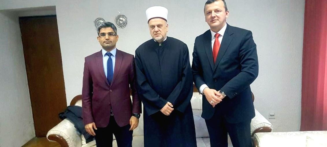Omer Faruk Alimdži sa muftijom bihaćkim i glavnim imamom MIZ Bihać